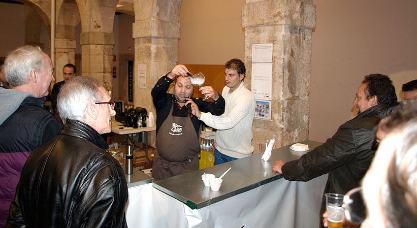 Stefan Borisov realiza una demostración de cóctel micológico