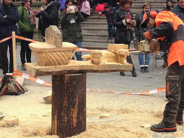 Actividades paralelas de Mercasetas: corte de troncos con motosierra