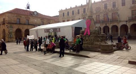 Carpa Mercasetas ubicada en la Plaza Mayor de Soria, junto al Ayuntamiento y el Teatro Palacio de La Audiencia
